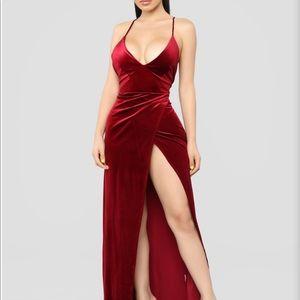Ongebruikt Fashion Nova Dresses   Red Velvet Slit Dress   Poshmark KQ-91